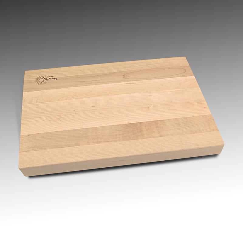 Planche à découper en érable récupéré ( bois de face.) Fabriquer par Ébénisterie bois - francs